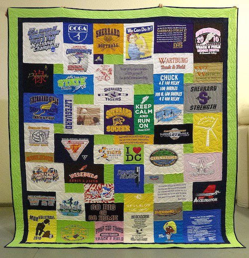 T-shirt quilt with double border