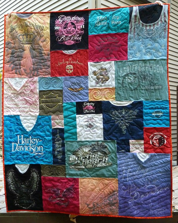 Click on me to see more photos of T-shirt quilts!