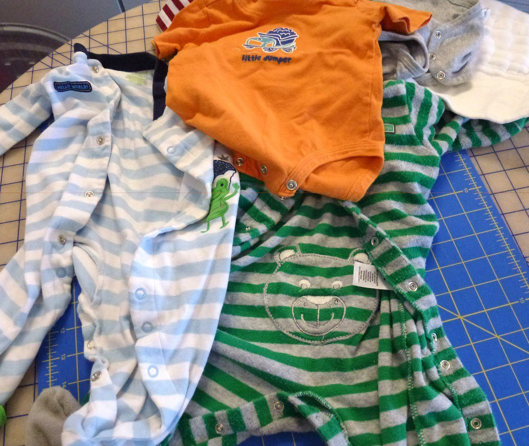 What can go in a baby clothes quilt
