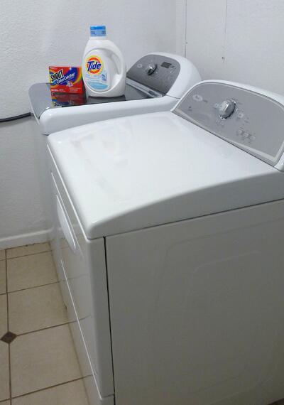 washing machine to wash T-shirts
