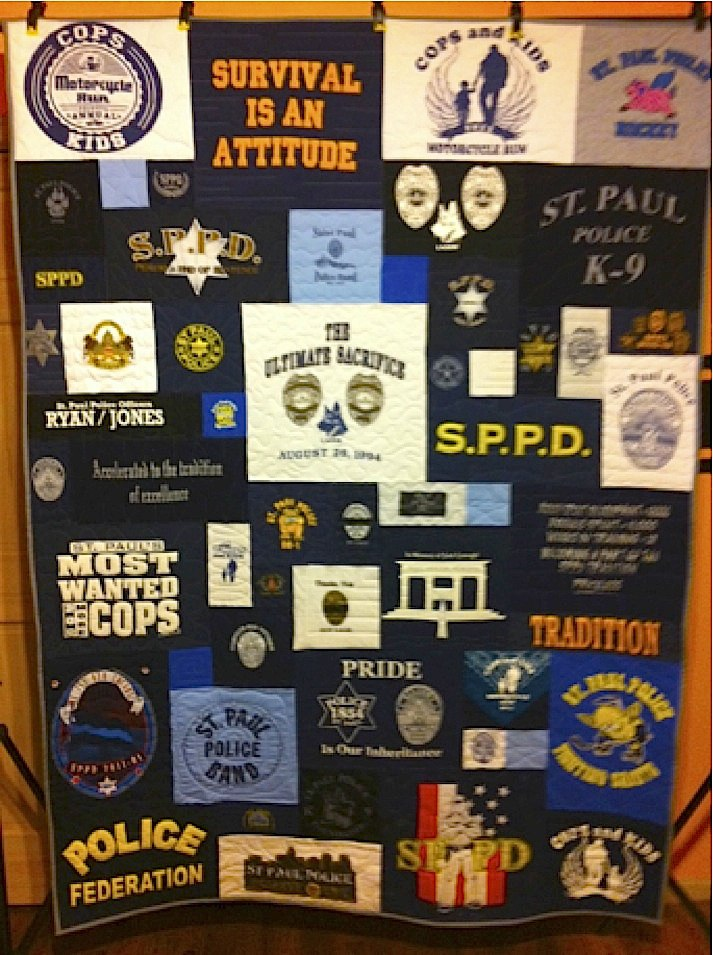 Memorial quilt for police officers