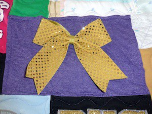 how to use hair bows in a T-shirt quilt