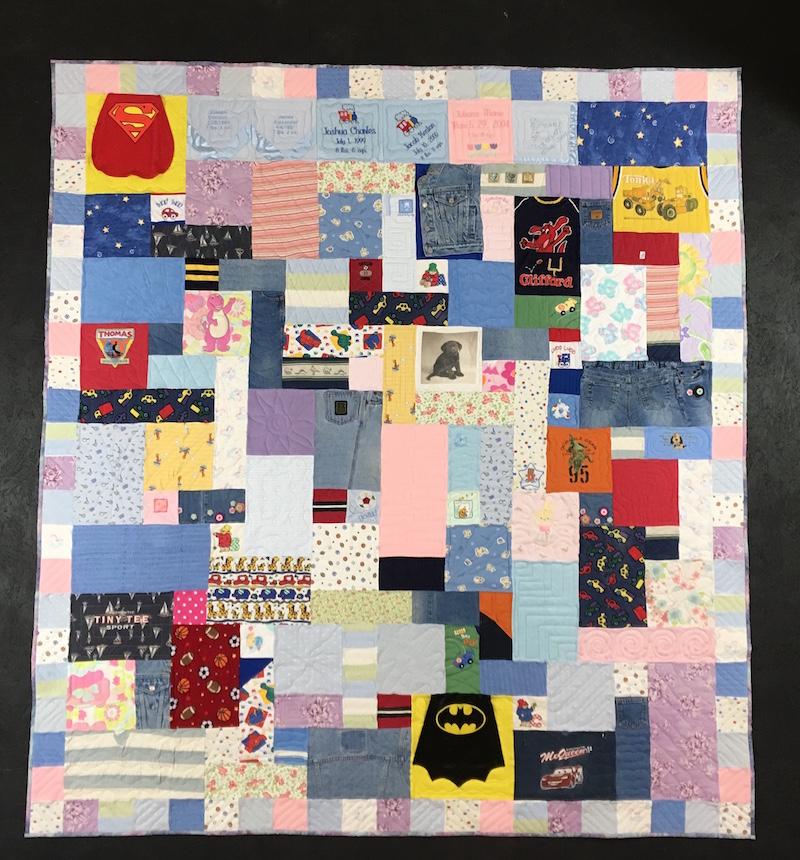 Baby clothes quilt with border