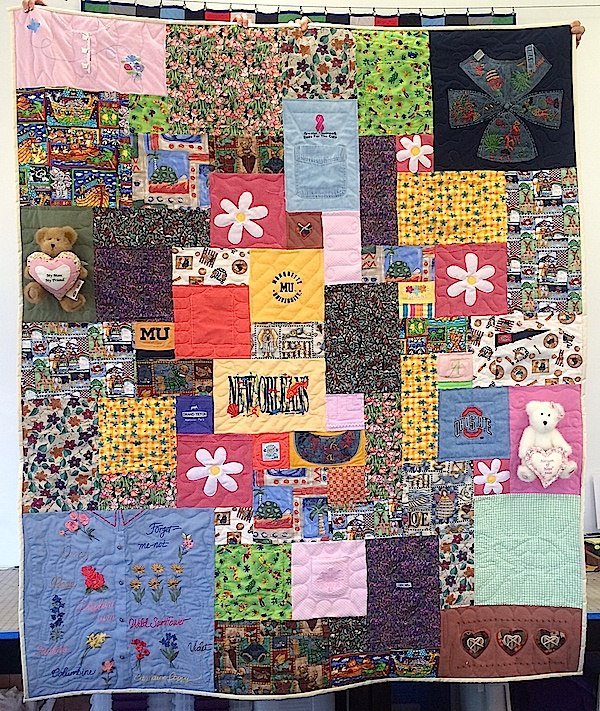 Memorial_quilt_with_bears