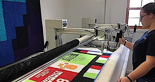 long-arm quilting artist.